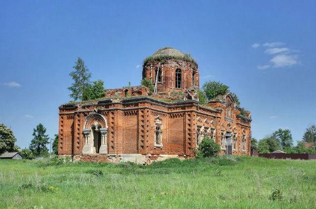 Развалины храма Покрова Пресвятой Богородицы