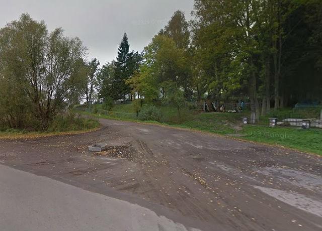 Дорога, ведущая на кладбище (проходит рядом со Старым некрополем)