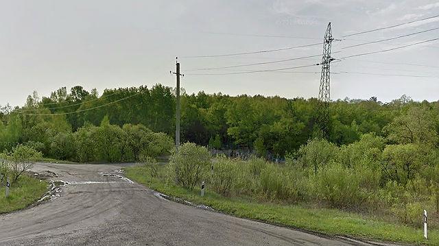 Дорога рядом с кладбищем