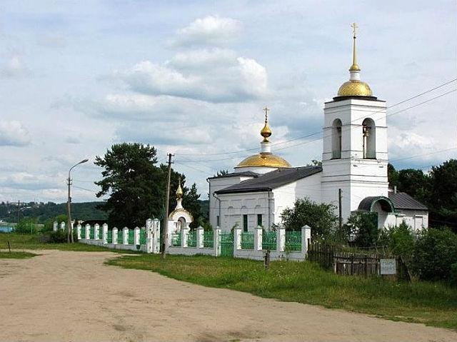 Церковь Троицы Живоначальной у кладбища Лужники